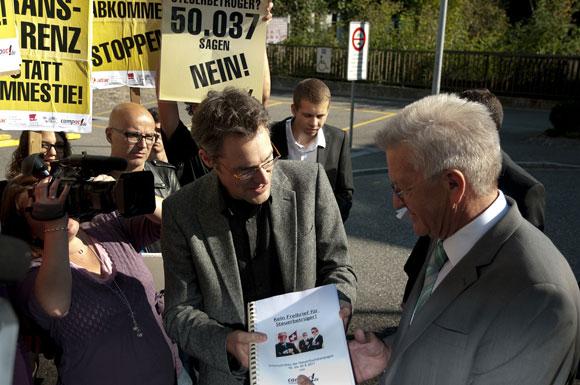 Aktion gegen Steuerflucht in der Schweiz