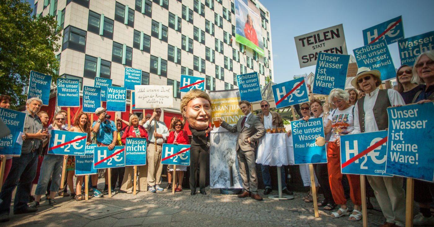 Wasserprivatisierung stoppen - Aktion von Campact / Fotos von Jakob Huber/ Campact e.V. [CC BY-ND 2.0]