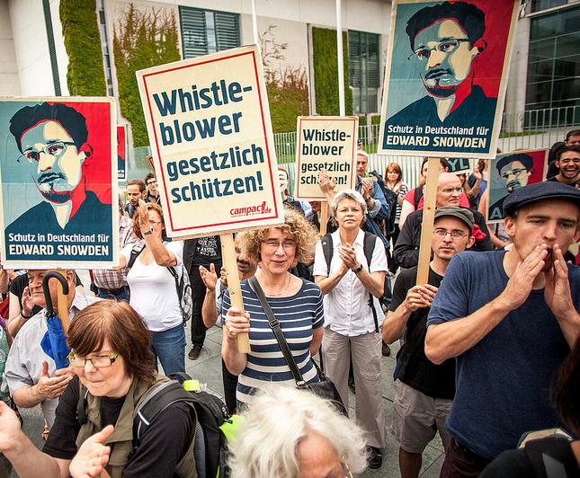 Ausschnitt_Menge_Whistleblower_schützen