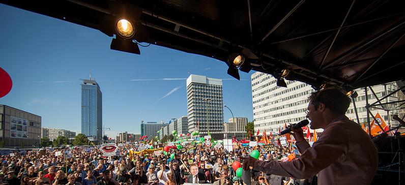 Christoph Bautz auf der Kundgebung am Alexanderplatz