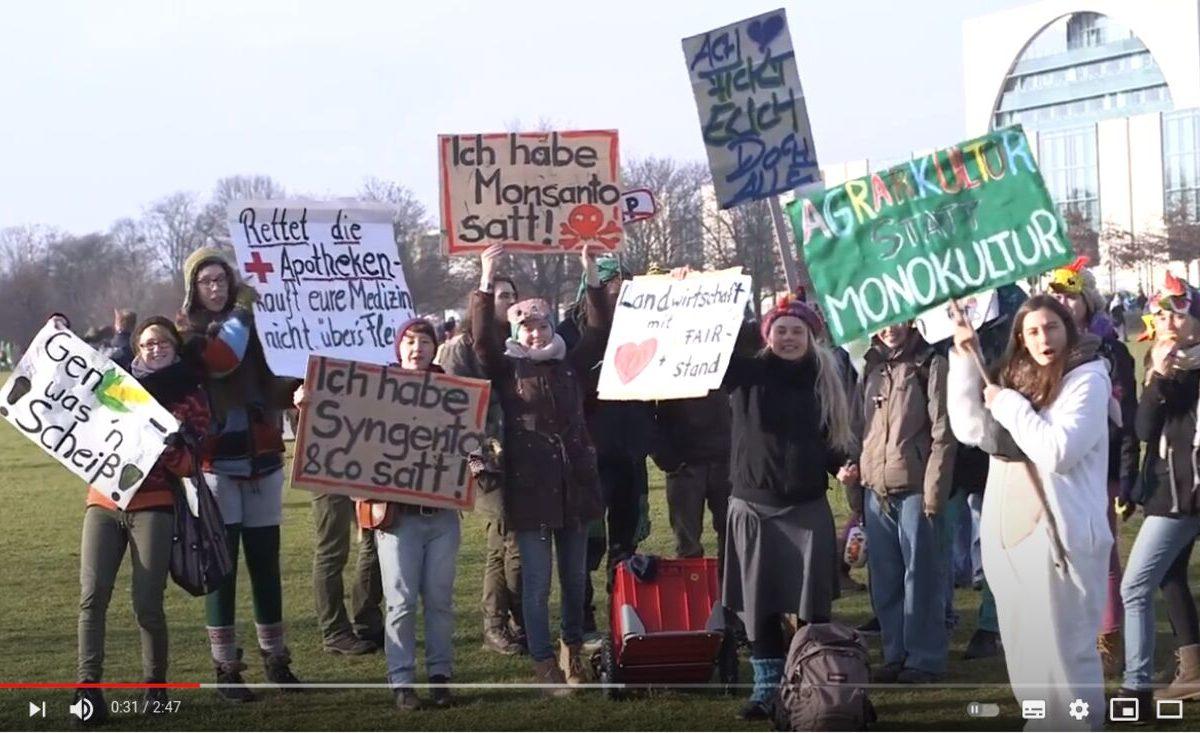 Screenshot YouTube: Wir haben es satt! Keine Gentechnik und kein TTIP!