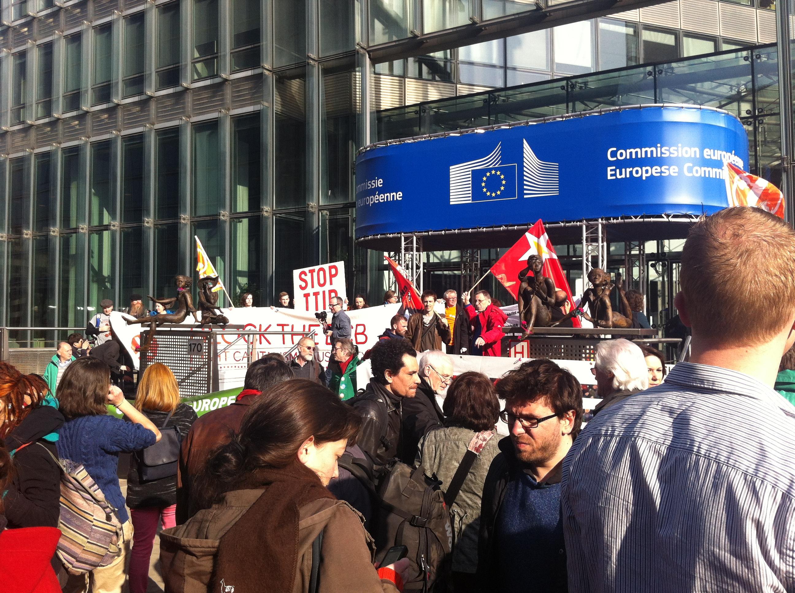 Protestaktion am 13.3.14 in Brüssel. Foto: Maritta Strasser/Campact