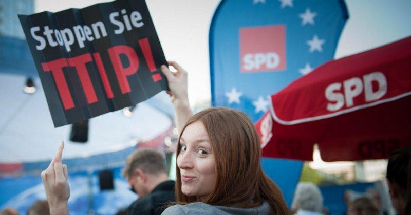 TTIP-Protest bei SPD Wahlkampf