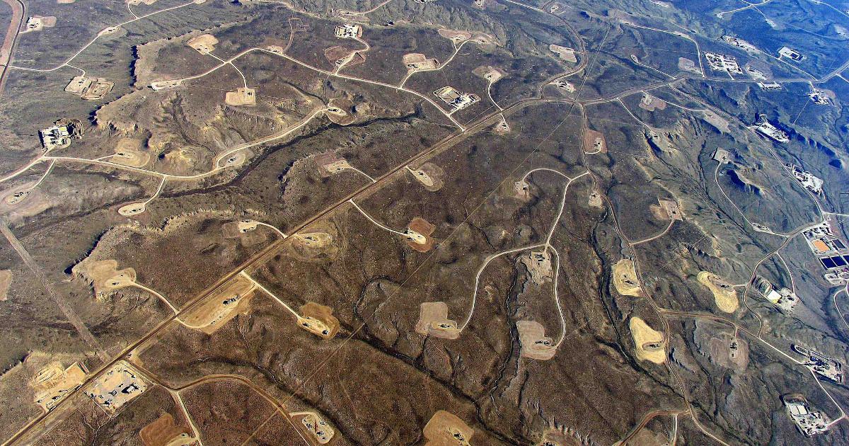Fracking Landschaft in den USA. Quelle: flickr.com/photos/sfupamr [CC BY 2.0]
