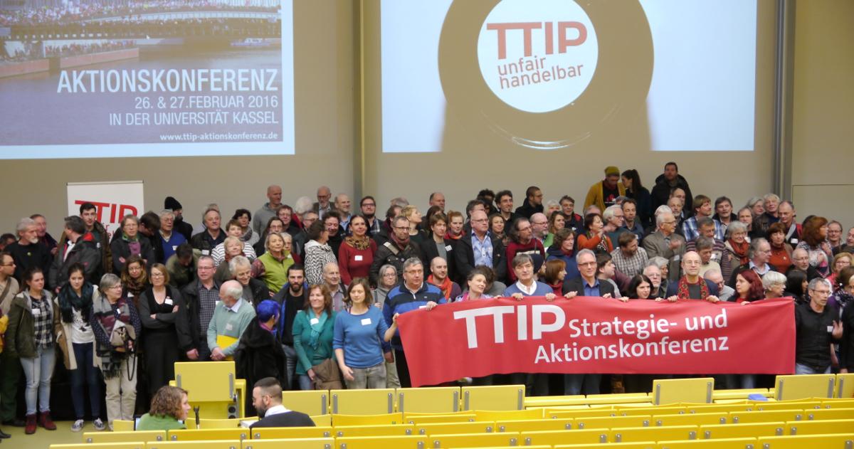Teilnehmer/innen der TTIP-Aktionskonferenz 2016