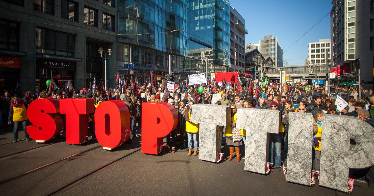 Stop_TTIP_Demo_Berlin_2015_1200