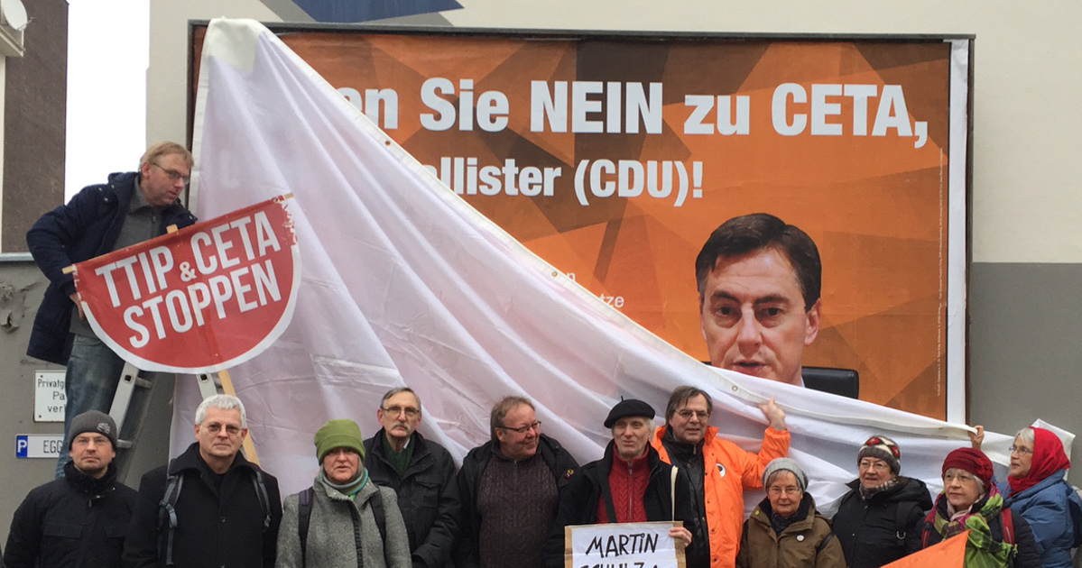 CETA-Plakat-Enthüllung in Hannover