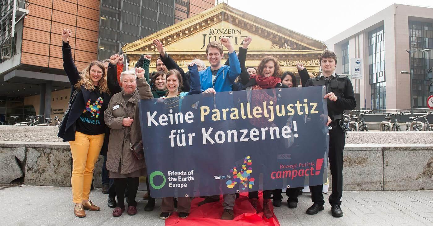 Keine Paralleljustiz für Konzerne. MIC-Aktion in Brüssel