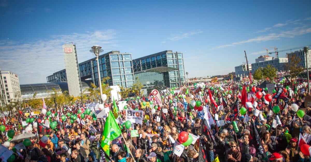 Zehntausende protestieren für faire Handelspolitik