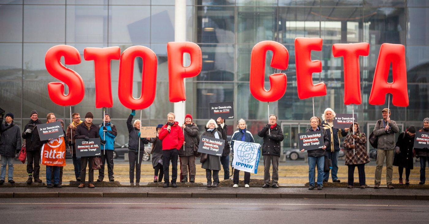 Campact protestiert gegen CETA vor dem Bundestag