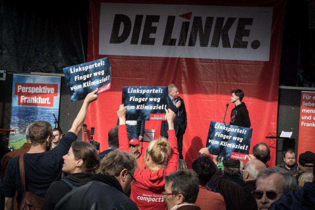 Campact-Aktive protestieren bei Linkspartei-Wahlkampf in Frankfurt/Oder. Foto: Gordon Welters / Campact frei zur Nicht-Kommerziellen Nutzung (siehe creative commons-Lizenz). Für kommerzielle Verwendung wenden Sie sich bitte an mail[at]gordonwelters.com