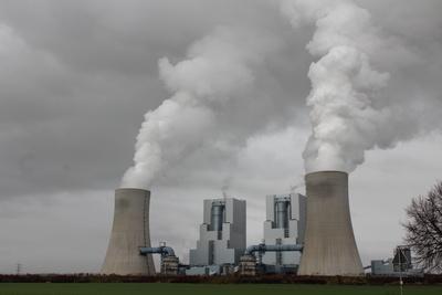 Braunkohlekraftwerk Neurath, Foto: Frank Gronendahl / pixelio.de