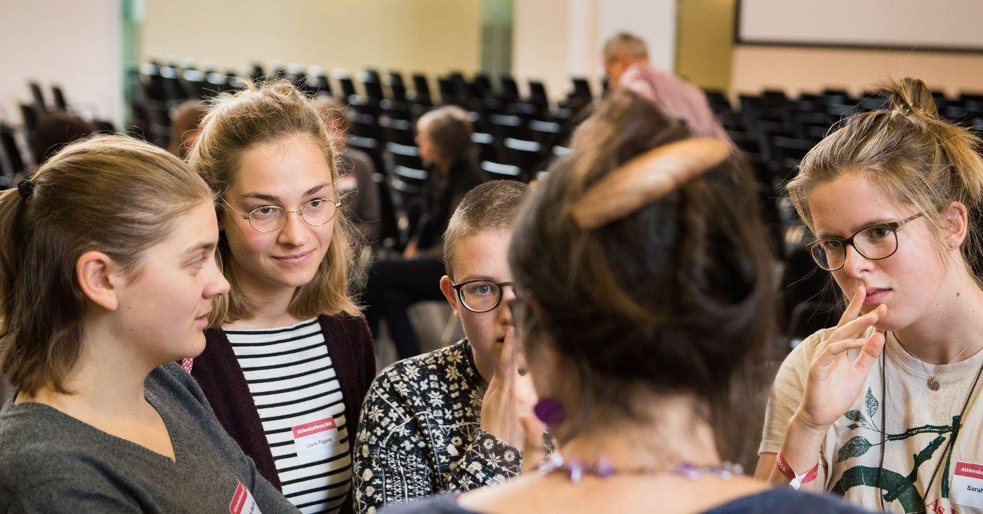 Teilnehmerinnen auf der Campact-Aktionskonferenz 2018