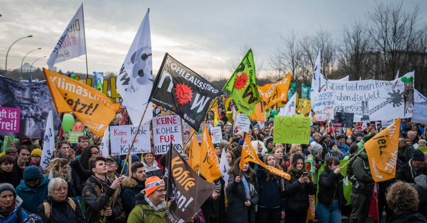 Campact-Protest in Berlin. Demo für schnellen Kohleausstieg