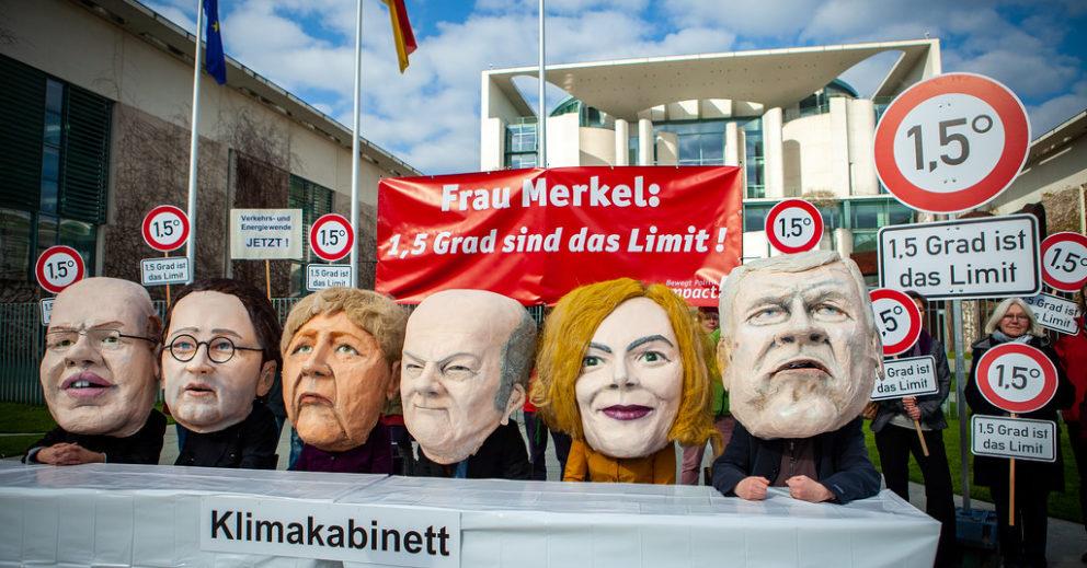 Klimakabinett: Campact Aktion vor dem Bundeskanzleramt für ein starkes Klimaschutzgesetz