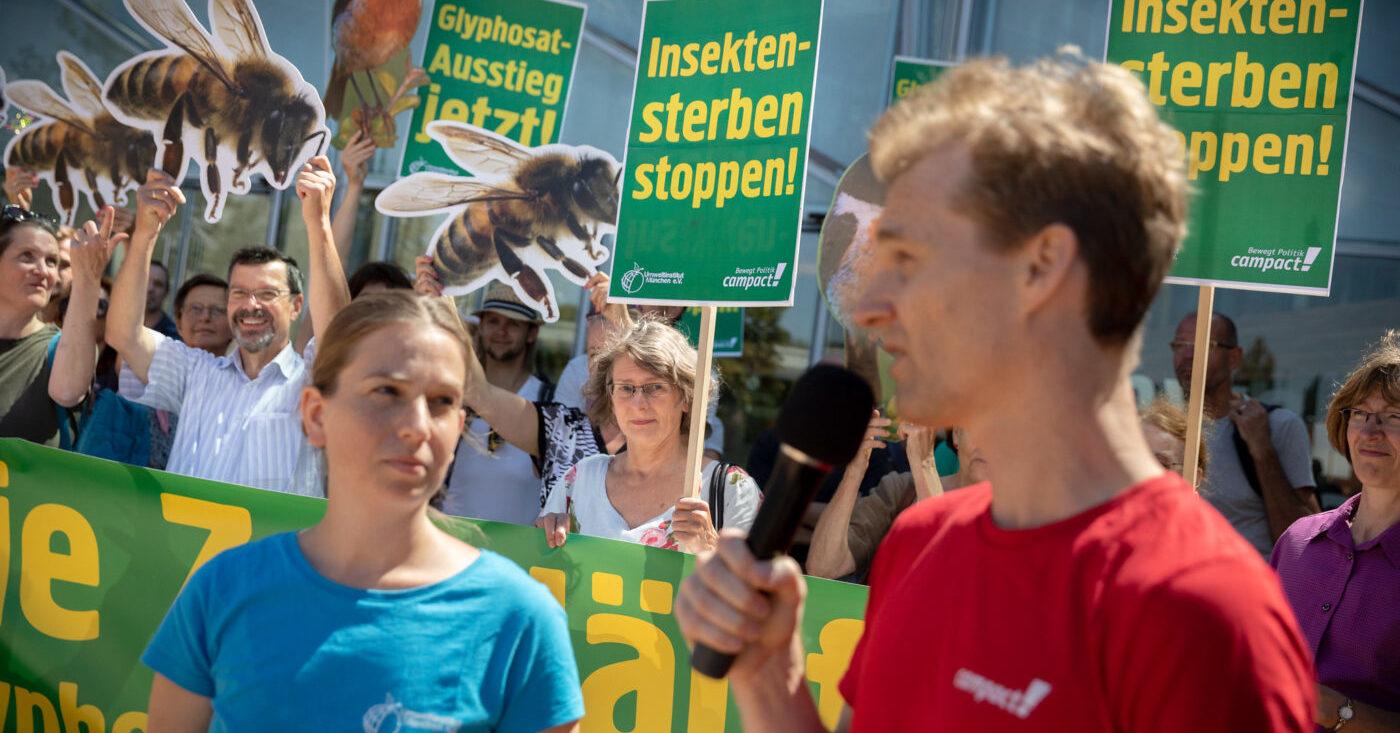Eine Aktion von Campact gegen das Ackergift Glyphosat
