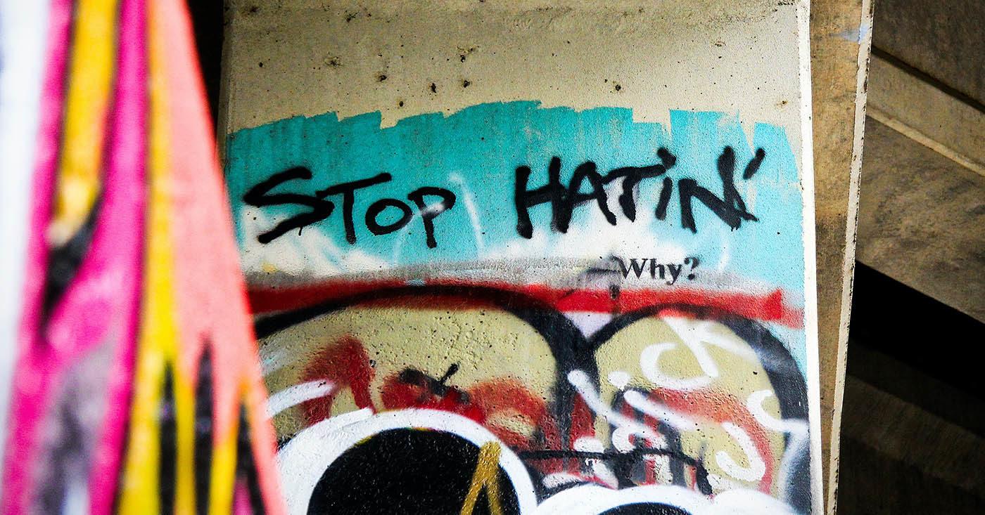 Wie Du Hate Speech stoppen kannst - schreibe jetzt Deinem Regierungschef